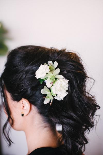 Hair floral arrangement