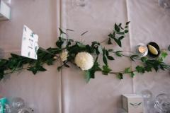 Wedding table runner loose